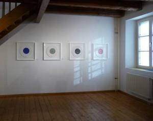 """Blick in die Ausstellung """"Oberbayern Konkret"""", Kunsthaus Fürstenfeldbruck 2014 mit dem Zyklus """"trasparente"""", 1996."""